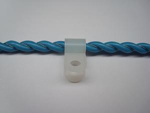 крепление сенсорного кабеля протечки при помощи клипc